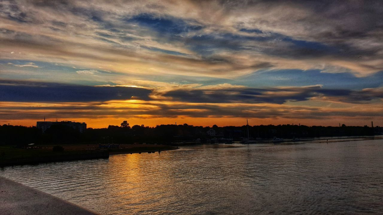 sky, cloud - sky, water, sunset, scenics - nature, beauty in nature, tranquility, tranquil scene, nature, no people, reflection, waterfront, river, outdoors, idyllic, tree, architecture, built structure