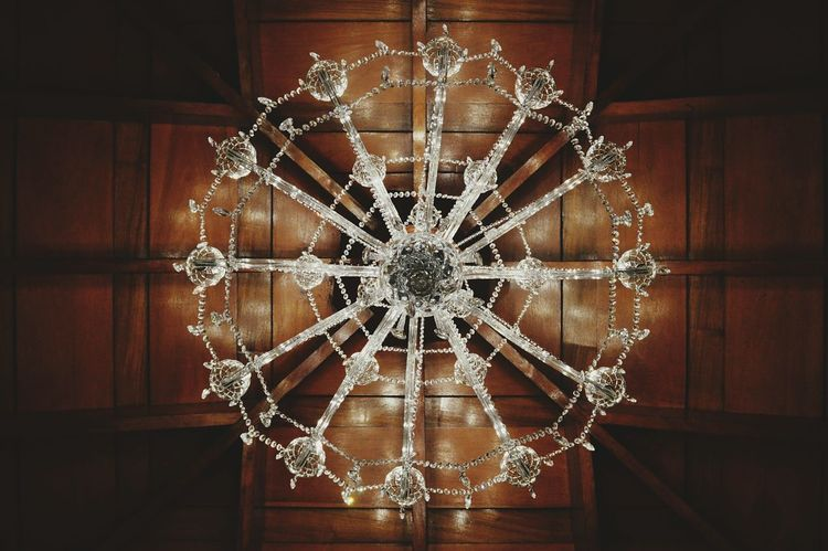 Lights Celling Lamp Pattern Symmetry Architecture No People Indoors  Fragility Candelabrum Hanging