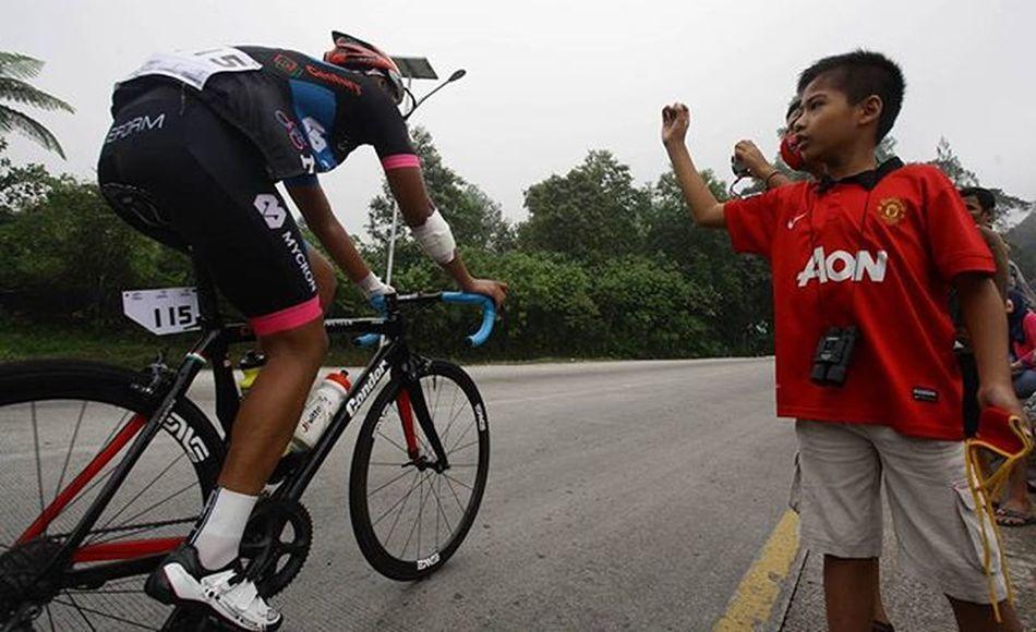 Support @bni46 Bnitourdesingkarak INDONESIA @yorrifarli @bakkarhabsyi TourDeSingkarak Tourdesingkarak2015 Sumbar_rancak Gowes Cyclingteam