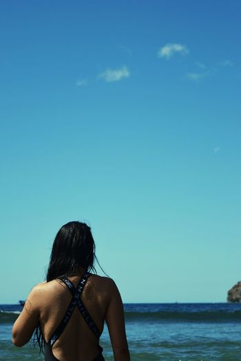 Sea Beach Rear View Vacations Water Horizon Over Water Sky Outdoors Beauty In Nature Leisure Activity Scenics Real People Travel Destinations Wave Beach Holiday Nature Girl Sporty Backless Throwback Nikon Nikon D3300 Iamnikon Tphotos Millennx