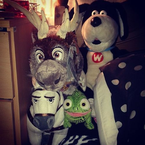 I'm 18 and my stuffed toy collection is better than any 7 year olds! Stuffedtoy Plush Maximus Pascal tangled sven frozen disney disneytoys disneystore favouritefilms love better worth woolworths toys cuddlytoys sun snowflake bigchild foreverdisney nevergrowingup