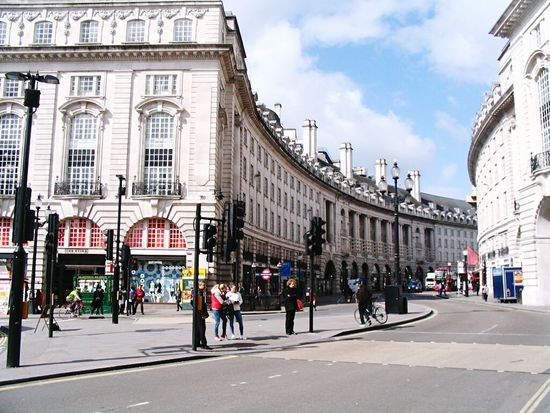 Travel Destinations Tourism Tourist City City Street Cultures People Vacations Large Group Of People Outdoors Architecture Sky Day Adult England, UK England🇬🇧 LONDON❤ London England 🌹 England 🇬🇧 Picaddillycircus England