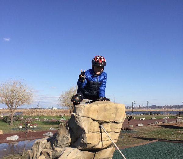 Statue against blue sky
