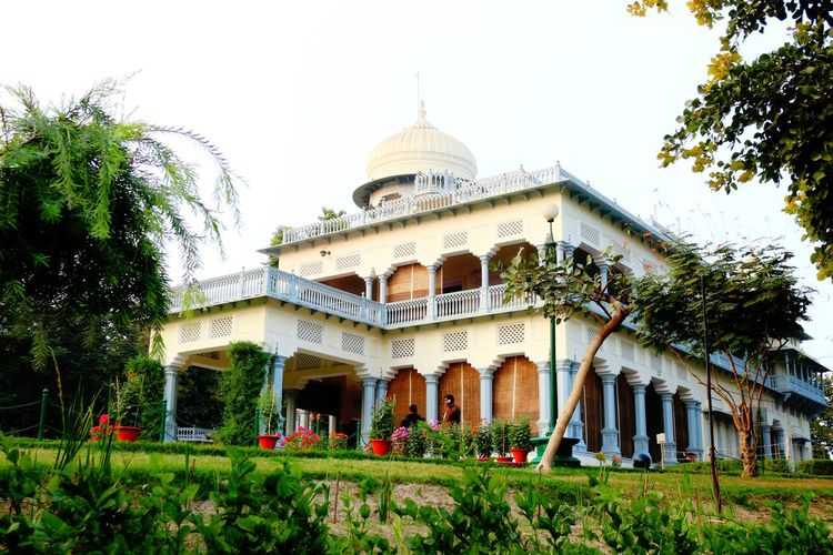 Travel Destinations Allahabad, Anand Bhawan