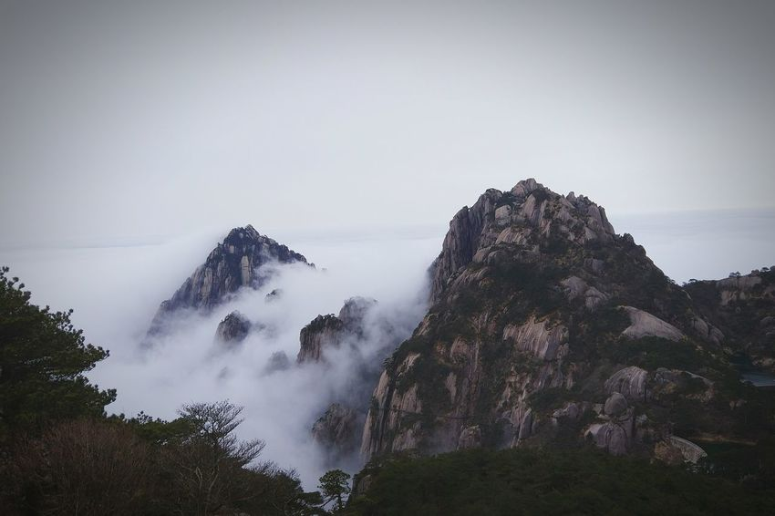 Check This Out Taking Photos Beyond The Sky Clouds And Sky Mountains