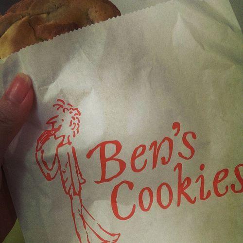 White choco cookie! Yum!