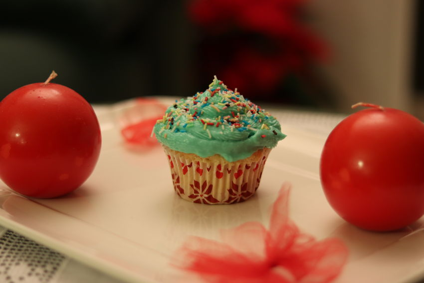 Sweetness Christmas MR7 Blue Canon Christmas Decoration Cupcake Dessert Eos77D Food Food And Drink Freshness Indoors  Muffin Red Sweet Food Table Temptation Food Stories