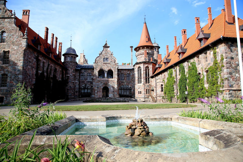 Cesvaines Pils schloss Schloss Sesswegen Cesvaine Latvia Latvija Travelling The Baltic States Elektrisch Eclectic EClecTiCism