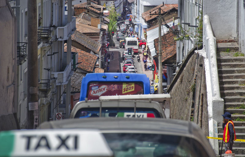 Quito Ecuador Taxi Congestion Tiny Street Steep Street Sunny Terracotta Rooftiles Cıty Life Travel Historic City South America Frustration Public Transport Mobility In Mega Cities