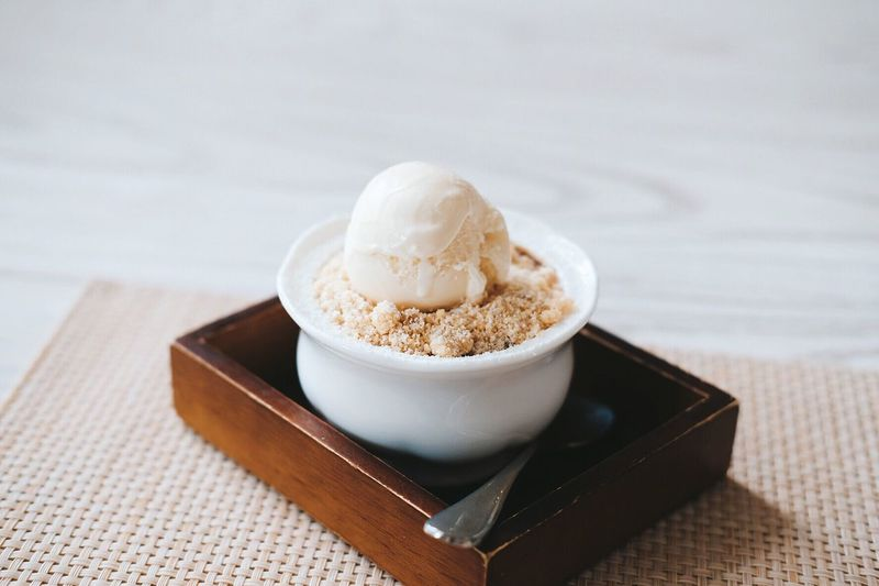 Crumble Preeyaporn Songbanphot Ice Cream Apple Crumble Sweet Food Ice Cream Time Ice Cream ❤ Dressert Crumble