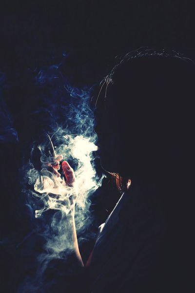 抽烟的也不一定是坏女人