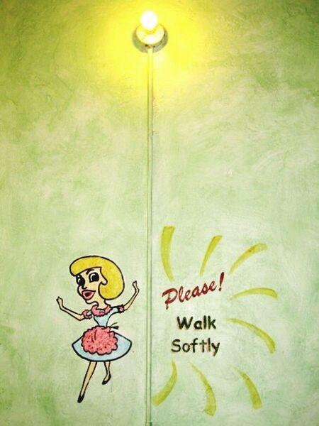Quietly Signs Lightbulb please walk softly