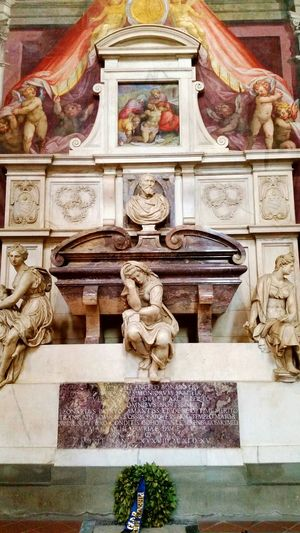 Tomb of Michaelangelo in the Basilica di Santa Croce, Florence... Michaelangelo Santa Croce Firenze Italia Florence Italy Architecture Religious Art Statue Tomb No People