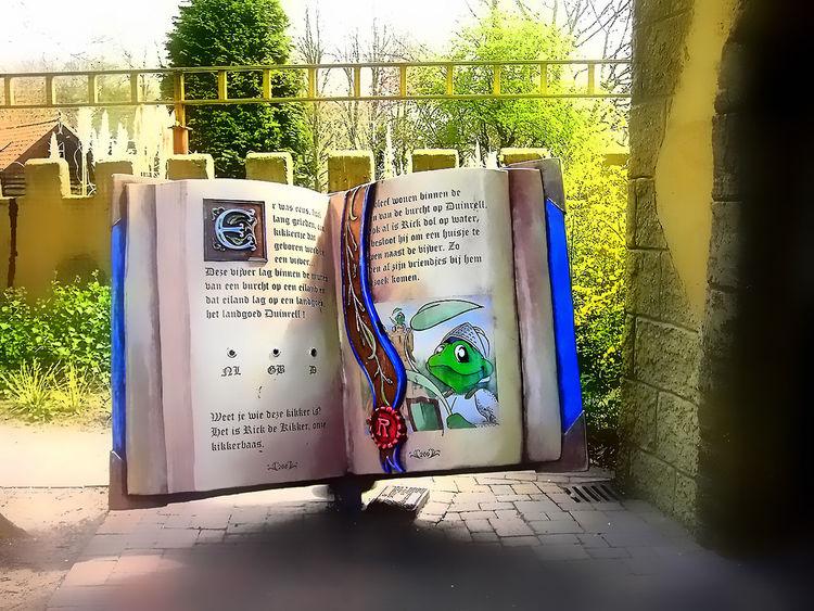 pretpark Den Haag (NL) Architecture Boek Book Buch Cuento De Hadas Fairy Tale Pretpark Sprookje