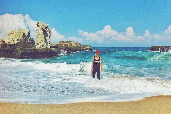 Klayar beach, Pacitan, East Java, Indonesia. Vacations Beach Sea Vibes Nature Beauty In Nature Exploreindonesia Naturephotography Travel Photography Wanderlustindonesia Cloud - Sky Wanderlust Nature Wanderlust