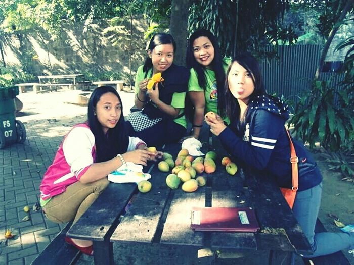 Hanging Out Enjoying Life Best Friends Outing Fieldtrip Eating Mango Chilling Outside Girls