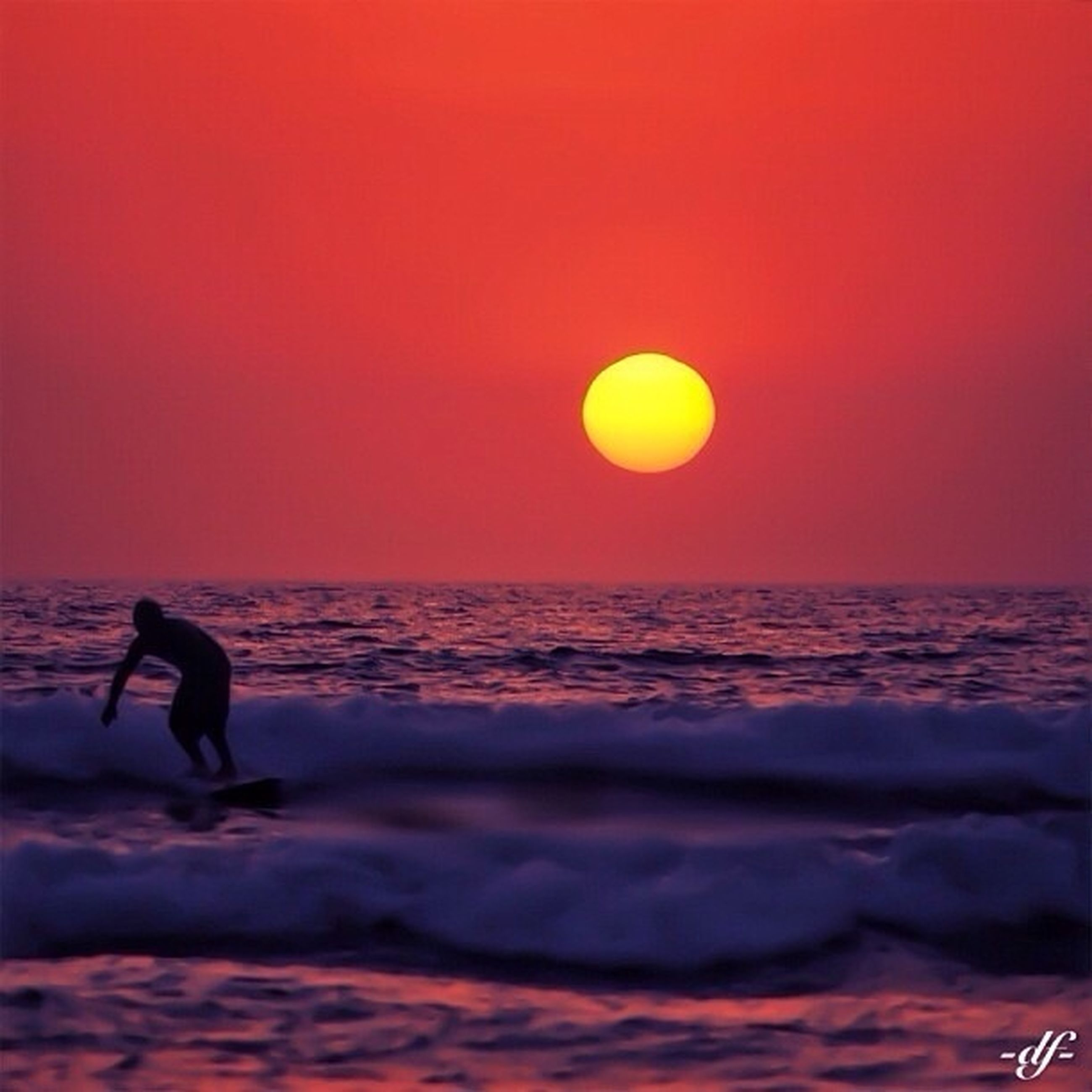 sunset, sea, horizon over water, leisure activity, water, orange color, beach, lifestyles, scenics, sun, silhouette, beauty in nature, tranquil scene, men, sky, tranquility, full length, nature