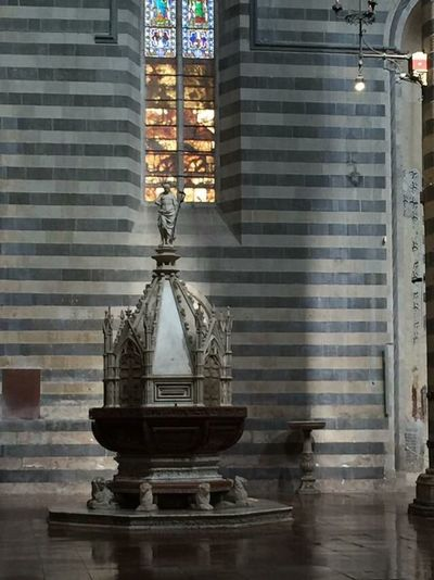 Duomo E Cappella Di San Brizio Built Structure Religion No People Spirituality Brick Wall Architecture Place Of Worship Building Exterior Indoors  Witnessserenity Beautiful Place Umbria, Italy Italy🇮🇹