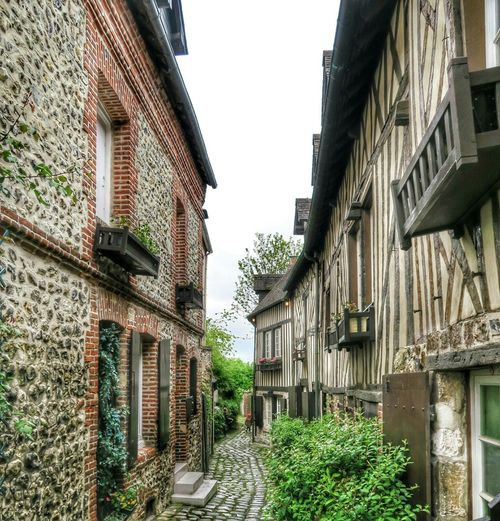 Beautiful Medevil architecture in Honfleur, France. April 2015. Honfleur France Architecture Architectureporn Travel Travel Photography