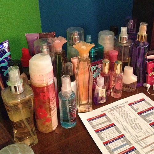 August photo challenge . ? Day 20 . Perfume ? Perfumes Allkinds Victoriasecertsismyfavorite Smellgood orstink yourchoice lol ??