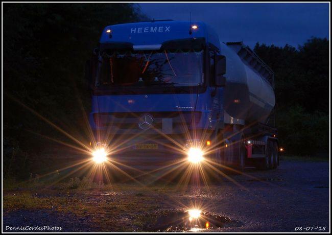 Nikonphotography Nikond50 Nikon Nightphotography Nightshot🌙 Truck Truckerslife Mercedes-Benz Mercedesbenzactros Geseke Germeny Deutschland