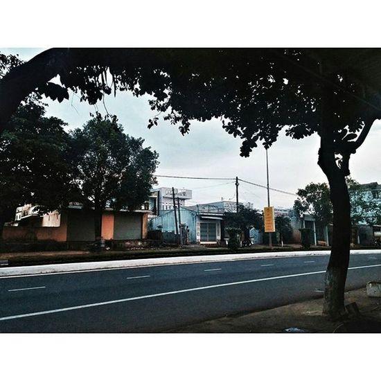 """"""" Cuộc đời không khó, chỉ có con người làm khó nhau..."""" Vscocam PhotoByMe Myhome Misshome Pleiku Saigon Tháng5"""