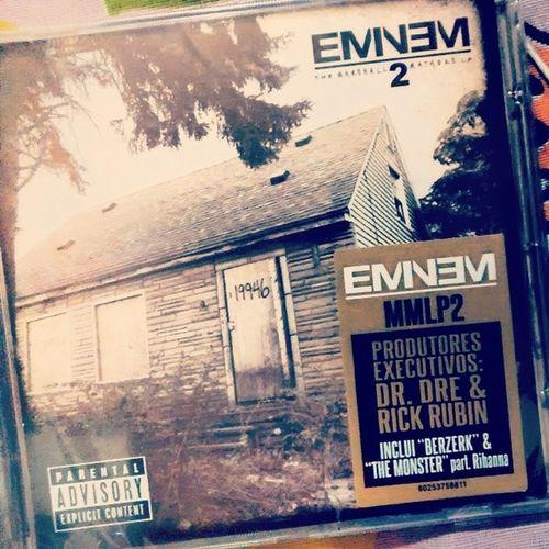 Uhuul. Ganhei de presente do meu moollynhu @jakke2o . eu tebano amor. Obrigado pelo aniversário de ontem. Eminem Themarshall2matherslp