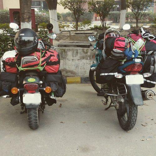 All set...... Roadtrip Bikes Avenger Karizma Delhitomanali Karnal Pitstop Luggage Thatshowwego Ankitdogra