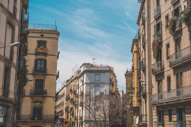 Street corners in old town barcelona