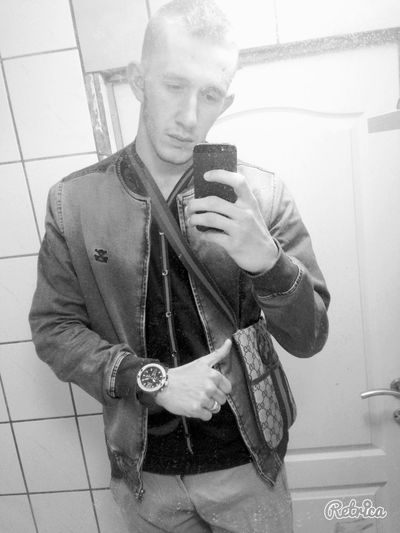 AllBlack Blackandwhite GUCCI Watch First Eyeem Photo Selfie Self Portrait Follow Follow Me Follow4follow