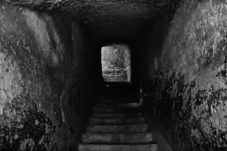 Caves Arch Architecture Bell Caves Built Structure Caves Corridor Darkness And Light Day Deterioration Diminishing Perspective Doorway History Narrow No People Old Ruined Run-down Steps Stone Stone Material Stone Wall The Past The Way Forward Tunnel Underground
