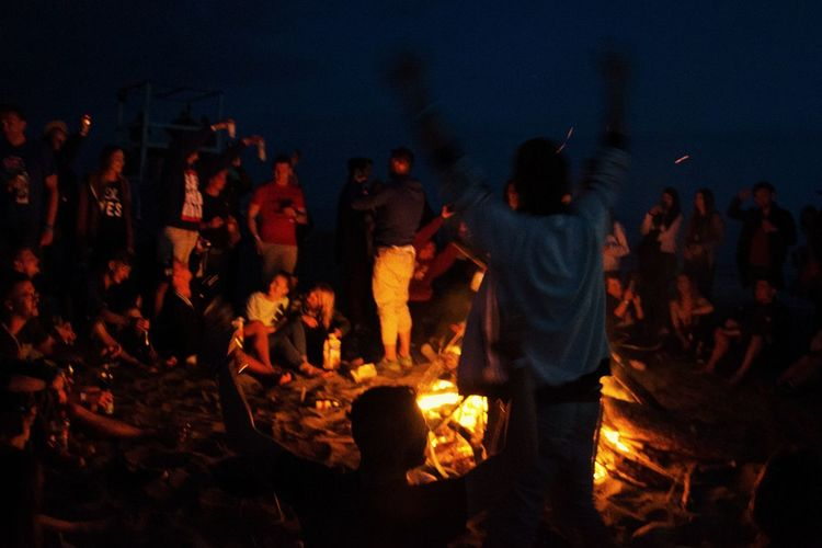 Bonfire Night Evening Friends Party Joy Summer Men Flame Bonfire Heat - Temperature Burning Campfire Camping Firewood Sparks Entertainment