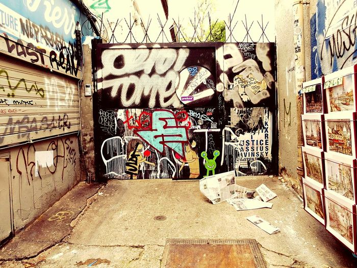 Text Street Photography City No People Graffiti Art Strret Art street art Typo