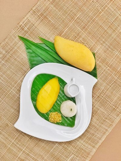 mango and sticky rice Mango And Sticky Rice Fat Food And Drink Food Wellbeing Still Life Green Color EyeEmNewHere Fruit Yellow