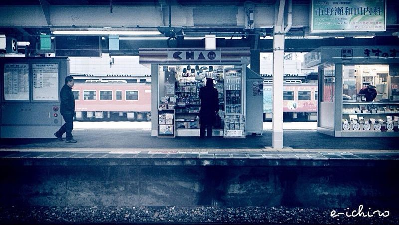今日は富山で仕事の打ち合わせ Train Station Train Ride IPhoneography Tadaa Community