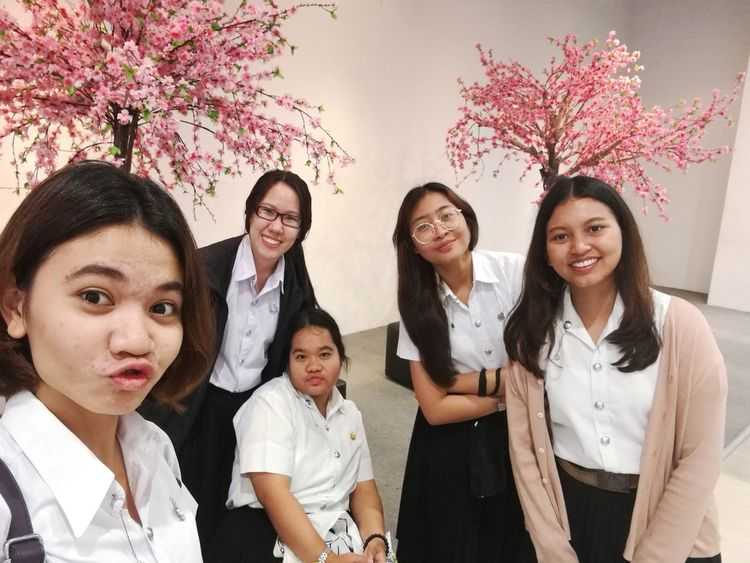 Selfies Women People Togetherness Smiling Girls Day Enjoyment Taking Photos HuaweiP9 HuaweiP9Photography Friendship Myfriends Pink