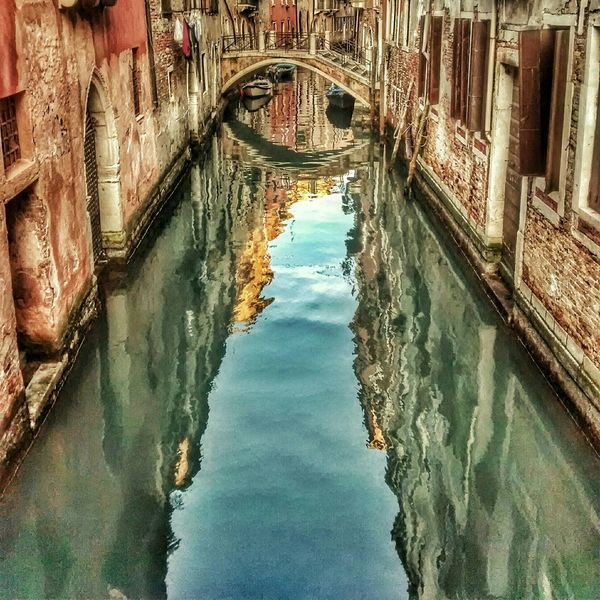Learn & Shoot: Leading Lines Seeing The Sights Hidden Gems  in Venezia, Italy. Venezia in the early morning Battle Of The Cities