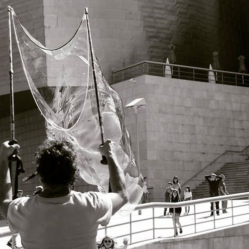 Principio... Bilbao Bilbao Verybilbao Bilbaolovers Bilbaocity Bilbografias Botxografia Igersbilbao Pompadejabon Bnw Bnw_life Bnw_captures Instagram Urban Photography Photooftheday Canon