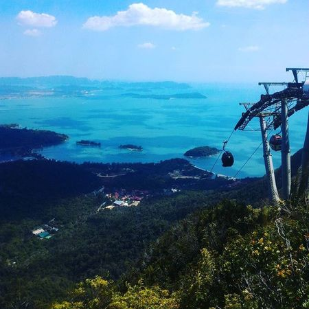 Road the cable car up the mountain on Langkawi! It was really exciting :p Cablecar Langkawi Island Islandhopping Paradise Malaysia SEAsia Travel Explore YSBH JustDoIt