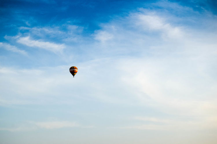 Sky Cloud - Sky Low Angle View Flying Mid-air Freedom Nature Adventure Day Extreme Sports Outdoors Sport Balloon Copy Space Blue Sky Hot Air Balloon