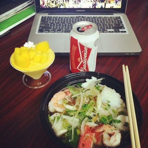 My simple lunch at work Lunch Hutieu Budweiser Mangopannacotta