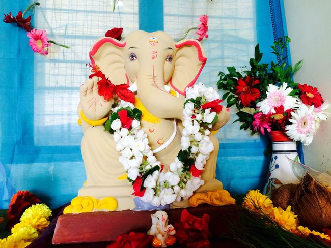 Ganpati Chaturthi In MumbaiHuman Representation Indoors  Flower Art And Craft GanpatiBappa Mumbai GaneshChaturthi Ganesha Ganeshfestival Ravi