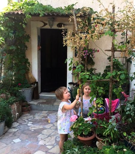 Every Picture Tells A Story Vintage Moments Brushing The Plants Together Tadaa Community Faces Of Summer Sisters