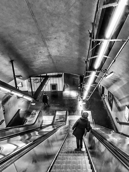 Paris Subway Corridor nearly empty just before Rush Hour 😀 RerB Nation Escalator Walking Steps And Staircases Transportation Lifestyles Moment EyeEm Gallery Streetphotography Photooftheday Iphonephotooftheday Iphonographie Mobilephotography EyeEm IPhoneography Iphoneonly EyeEm Iphonephotography IPhoneography IPhone Photography Bnw