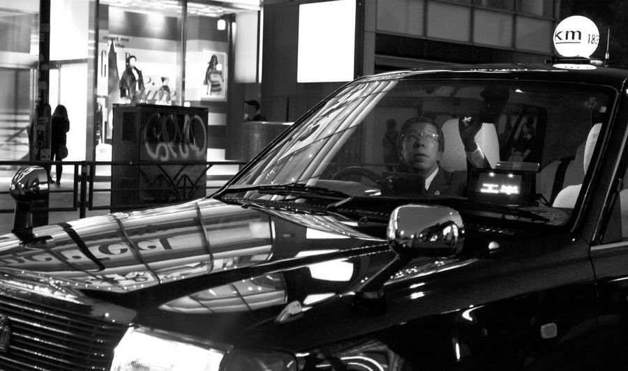 Japan Tokyo Architecture Built Structure Car Communication Focus On Foreground Glass - Material Illuminated Incidental People Indoors  Land Vehicle Lighting Equipment Luxury Mode Of Transportation Motor Vehicle Night Reflection Shopping Transparent Transportation Windshield