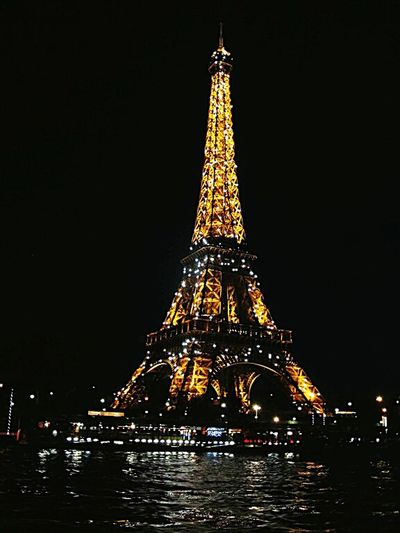 My Country In A Photo Eiffel Tower Tour Eiffel Night Tourists Amazing Monuments Global Paris à Paris, France