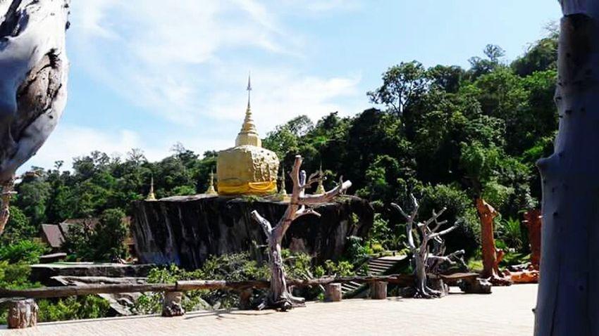 วัดถ่ำผาแด่น สกลนคร Thailand ภูพาน ไทยแลนด์ แกะสลักหิน หิน Travel Day Sky Travel Destinations Statue Outdoors