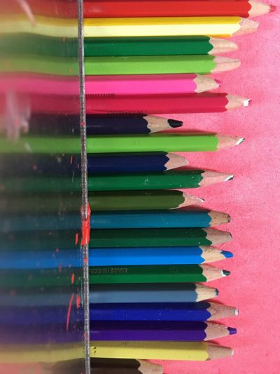 Mirrored Reflection Creativity Art Equipment Art Rainbow Colors Colorful Buntstifte Paint Multi Colored Art And Craft Indoors  Choice Variation No People Still Life Creativity In A Row Pencil Colored Pencil Writing Instrument