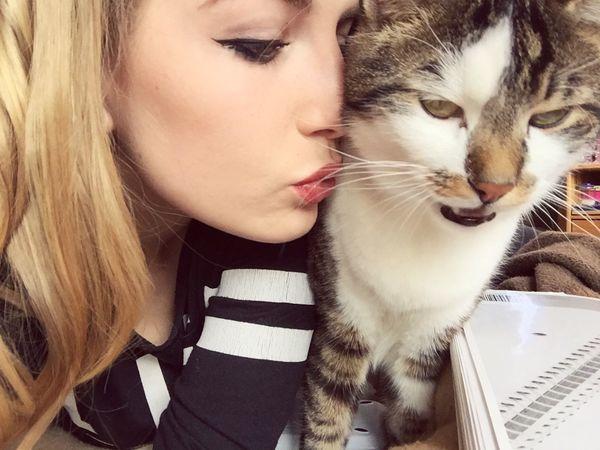 Love ♥️ Cat Catlove Kiss Lovelovelove ♥ Beauty Stuttgart
