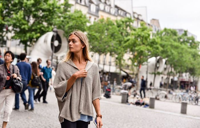 Incidental People Focus On Foreground Outdoors Walking Day Casual Clothing Women Beautiful Woman One Person City Beautiful People Portrait Adult Lifestyles Only Women Real People Adults Only Blond Hair One Woman Only